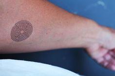 tatouage temporaire motif  labyrinthe noir de unbijoualamer sur DaWanda.com