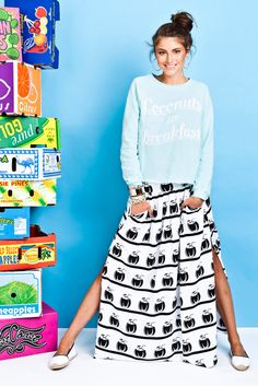 Coconuts, Celebrities, My Style, Breakfast, Skirts, Sweaters, How To Wear, Collection, Fashion