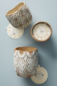 Knotwork LA Etched Ceramic Candle by Sure to Make Any Room a Tropical Paradise! Three scents That are Amazing! Ceramic Painting, Ceramic Art, Ceramic Bowls, Hermes Armband, Ceramic Pinch Pots, Candle Packaging, Sgraffito, Ceramic Design, Clay Art
