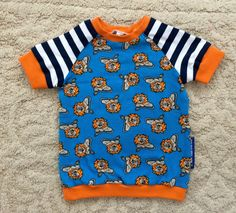 Habdmade colorful cool baby T-shirt lions by NoNiMadewithlove