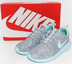 photo NikeWmnsRosherunPrintGrey-Ice-Volt11_zps69802ec6.jpg