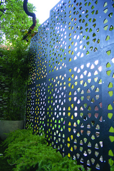 OUTDECO Osaka Garden Screens Great way to divide two spaces without loosing light/greenery