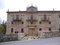 Albergue de peregrinos Monasterio de la Magdalena en Sarria, Camino de Santiago www.alberguesdelcamino.com