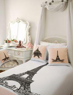Almofadas inspiradas em Paris com pintura