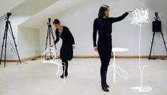 """Sketch furniture.  """" Le dessin est généralement la première étape dans la création d'un motif, d'un objet, d'un vêtement, d'un projet de design. Dans le projet Sketch furniture du studio suédois Design Front , le dessin est la finalité même du projet. Grâce à un ingénieux système qui capte les mouvements, les designers dessinent l'objet directement dansl'espace. Leurs mouvements sont analysés par ordinateur et transmis à une imprimante 3D qui fabrique l'objet. Fascinant!""""  by Lucie ·…"""
