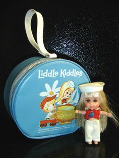 OMG YES!!!  The Little Kiddles' vinyl zip bag!!!!!  :)