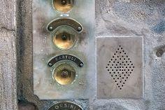 G24-2_venice_doorbells