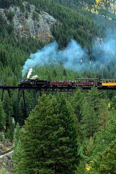 7 Incredible Colorado Day Trips You Can Take By Train - travel Le Colorado, Road Trip To Colorado, Train Rides In Colorado, Colorado Springs Things To Do, Manitou Springs Colorado, Castle Rock Colorado, Scenic Train Rides, Estes Park Colorado, Telluride Colorado