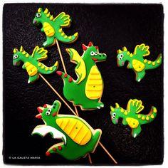 dracs de sant jordi... cookie dragons... Dragon Birthday Parties, Birthday Ideas, Dragon Cookies, Crispy Cookies, Sugar Cookies, Cookie Games, Knight Party, Game Of Thrones Dragons, Spring Treats