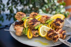 Check out this delicious recipe for Grilled Salmon and Asparagus Skewers from Weber—the world's number one authority in grilling. recipe asparagus Grilled Salmon and Asparagus Skewers Lemon Salmon, Salmon And Asparagus, Chicken Asparagus, Grilled Asparagus, Asparagus Recipe, Grilled Salmon Recipes, Grilled Seafood, Easy Chicken Recipes, Seafood Recipes