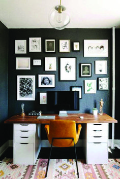 small space design home office with black walls – Office Furniture İdeas. Home Office Chairs, Home Office Space, Office Furniture, Small Office, Black Office, Dark Furniture, Front Office, Desk Space, Desk Chairs