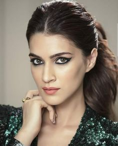 Beautifully Of Bollywood - Girl Celebrities Bollywood Girls, Bollywood Stars, Bollywood Fashion, Most Beautiful Bollywood Actress, Beautiful Actresses, Hot Actresses, Indian Celebrities, Bollywood Celebrities, Girl Celebrities