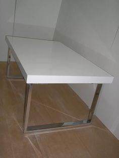 mesa-ratona-laqueado-blanco-base-mdf-patas-metal-cromado-D_NQ_NP_5582-MLA4470057250_062013-F.webp (900×1200)