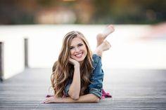 Photography Poses For Teens Sweet 16 Senior Girls Ideas Senior Portraits Girl, Girl Senior Pictures, Senior Girls, Teen Fotografie, Modeling Fotografie, Girl Photo Shoots, Girl Photo Poses, Girl Poses, Teen Girl Photography