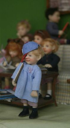 ! !!!!@@@@!!!!.....http://es.pinterest.com/heidikatrine/miniature-dolls/