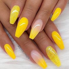 Trendy Yellow Nail Art Designs To Make You Stunning In Summer;Acrylic Or Gel Nails; French Or Coffin Nails; Matte Or Glitter Nails; Nail Design Glitter, Yellow Nails Design, Yellow Nail Art, Glitter Nails, Yellow Glitter, Glitter Art, Pastel Yellow, Acrylic Nails Coffin Glitter, Yellow Shades