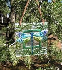 NEW at Westport Winery: An assortment of glass wall plaques with four unique designs (hummingbird, monarch butterfly, blue butterfly and dragonfly). These ornaments feature illustrious design and vivid colors, displaying classic spring imagery of newly birthed creatures at terrific prices.