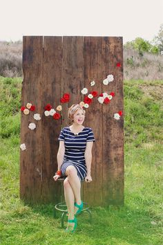 Reclaimed Wood Planks | Community Post: 15 Insanely Awesome DIY Wedding Photo Booth Backgrounds