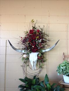 Popular Western Home Decor Ideas That Will Inspire You - C. - Popular Western Home Decor Ideas That Will Inspire You - Rustic Western Decor, Diy Rustic Decor, Country Decor, Western Decorations, Rustic Design, Cow Skull Decor, Cow Skull Art, Chinoiserie, Feng Shui