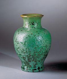 Vase, c. 1909–1920s. No. 526; Glazed stoneware; Fulper Pottery Company, Flemington, New Jersey, 1805–1935; H. 9 1/2 in. (PO-065-87).