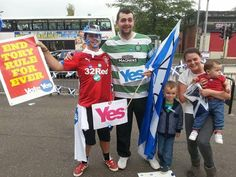 """""""@celticbohy67: This is what the YES campaign is about... pic.twitter.com/eECkVpI6Pl"""" love this picture, it's what it's all about."""