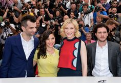 Kit Harington Photos Photos - (L-R) Actors Jay Baruchel, America Ferrera, Cate Blanchett and Kit Harington attend the 'How To Train Your Dragon 2' photocall at the 67th Annual Cannes Film Festival on May 16, 2014 in Cannes, France. - 'How to Train Your Dragon 2' Photo Call