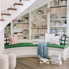 Ideas Home Library Stairs Interior Design Madison Homes, Style Me Pretty Living, Curved Staircase, Staircase Design, Book Staircase, Winding Staircase, Spiral Staircases, Foyer Design, Modern Staircase