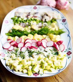 Feeding A Crowd, Aquafaba, Food Inspiration, Cobb Salad, Potato Salad, Salads, Lunch, Snacks, Dishes