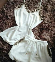 Women S Fashion Discount Codes Classy Outfits, Chic Outfits, Summer Outfits, Girl Outfits, Fashion Outfits, Vogue Fashion, Curvy Fashion, Champion Clothing, Shirt Makeover