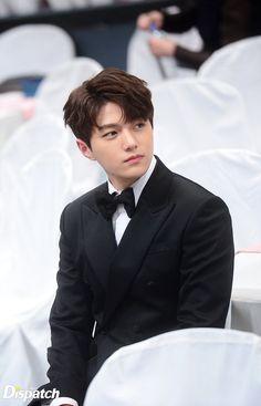 A very handsome man 😍 Kim Myungsoo Best Character Actor Male Popularity Award MBC Drama Awards Park Hae Jin, Park Seo Joon, Infinite Myungsoo, Kim Myungsoo, Oppa Gangnam Style, K Drama, Song Joong, Kim Sung Kyu, Yoo Ah In