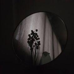 The Best 26 Funny Pictures Of 2019 Gray Aesthetic, Night Aesthetic, Black And White Aesthetic, Aesthetic Grunge, Aesthetic Photo, Aesthetic Pictures, Aesthetic Korea, Jeter Un Sort, Dark Feeds