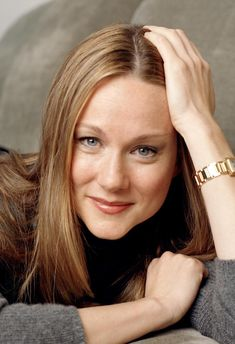 Laura Linney from William Henry Shaw HS Beautiful Smile, Beautiful People, Beautiful Women, Divas, Laura Linney, Celebrity Wallpapers, Famous Women, Famous People, Showgirls