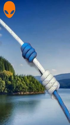Useful Knot Creativity You Should Learn ~~ - Paracord Tutorial, Paracord Knots, Rope Knots, Rope Crafts, Diy Crafts Hacks, Survival Knots, Survival Skills, Survival Tips, Hook Knot