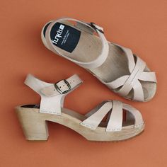 997 funkis clog high elska, veggie natural Clog Sandals, Birkenstock Milano, Leather Clogs, Natural Leather, Veggies, Pairs, Heels, Clothes, Fashion