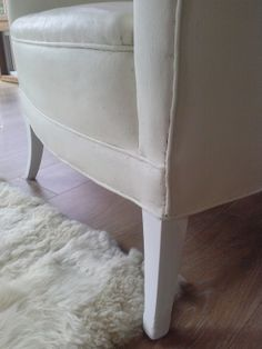 Reloved Rubbish: Chalk Paint® on Fabric Chairs