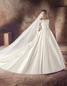 Vestidos y trajes de novia - Wedding dresses and bridal gowns - Collection 2016 Wedding Dresses, Elegant Wedding Dress, Bridal Dresses, Wedding Gowns, Princess Ball Gowns, Princess Wedding, Bridal Gown Styles, Dress Collection, Beautiful Outfits