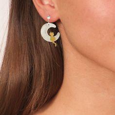 Handmade Vintage Crochet Drop Flower Earrings With Garnet Gemstones & Green Agate - Anthos Crafts Affordable Jewelry, Cheap Jewelry, Jewelry Art, Jewelry Accessories, Handmade Art, Handmade Silver, Handmade Jewelry, Flower Earrings, Stud Earrings