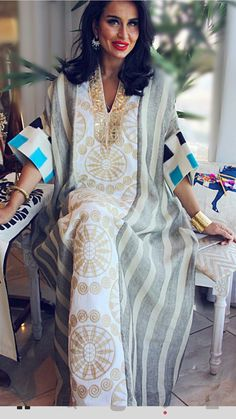 Color Block V-Neckline Sleeves Maxi Shift Dress Abaya Fashion, Muslim Fashion, Fashion Dresses, Gothic Fashion, Women's Fashion, Kaftan Style, Caftan Dress, Mode Kimono, Mode Abaya