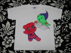 One-of-a-kind hand-painted Dino & Panda t-shirt from my series of 100 T-shirts back in 2012.   This one is Spiderpanda & Green Goblin :)  Size: XS -Youth