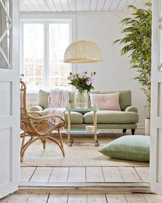 Decor Inspiration: Beach Cottage Style - Decoration For Home Colourful Living Room, Living Room Green, Home Living Room, Living Room Designs, Living Room Decor, Pastel Living Room, Fresh Living Room, Living Area, Living Spaces