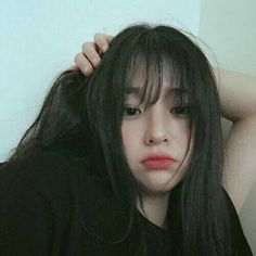 Find images and videos about asian and ulzzang on We Heart It - the app to get lost in what you love. Ulzzang Girl Selca, Ulzzang Korean Girl, Cute Korean Girl, Asian Girl, Mode Kpop, Girl Korea, Uzzlang Girl, Ulzzang Fashion, Girl Short Hair