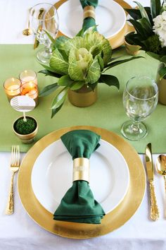 Roll up your sleeves and choose one (or all) of these 25 napkin rings to DIY before dinner time. Gold Napkin Rings, Thanksgiving Celebration, Custom Napkins, Wooden Shapes, Napkin Folding, Gold Diy, Partys, Dinner Napkins, Diy Painting