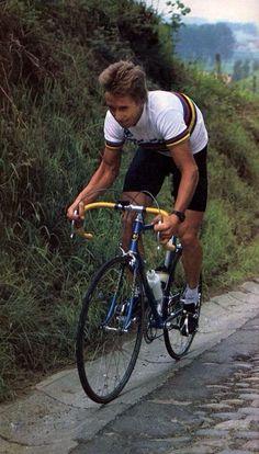 Giro delle Fiandre 1984. Koppenberg. Il campione del mondo Greg LeMond (1961) in allenamento