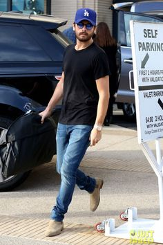 Scott Disick style                                                       … http://www.99wtf.net/young-style/urban-style/modern-mens-hat-style-urban-fashion-2016/