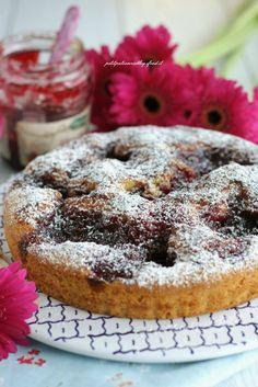 Oggi vi propongo una crostata che non è una vera crostata....né una torta! Sapete quanto io ami le ricette che stupiscono prima la vista e poi il palato e se sono anche semplici e veloci ve le propongo immediatamente ! È una torta perfetta sia come dessert di fine pasto (portatela a casa di ami… Just Cakes, Cakes And More, Italian Cake, Love Cake, Biscotti, I Foods, Italian Recipes, Sweet Recipes, Cupcake Cakes