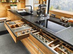 Küche | Kernbuche massiv | geölt | modern | grifflos | Massivholzschubkästen - bei Möbel Morschett