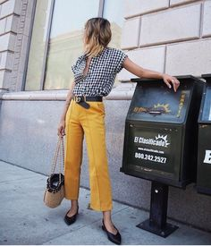 spring fashion / trends / color / yellow pants / gingham shirt / straw bag / street style / fashion