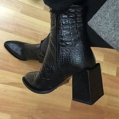 MACH & MACH New crocodile leather boots Phaliashvili str, Tbilisi - FootWear Shoes Too Big, Dream Shoes, Shoe Game, Leather Boots, Fendi, Fashion Shoes, Men's Fashion, Shoe Boots, Shoes Heels