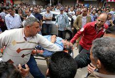 Un premier attentat a fait au moins 22 morts à Tanta, au nord du Caire, avant qu'une seconde explosion fasse au moins 11 morts devant une autre église copte à Alexandrie. «Je prie pour les morts et les victimes», a déclaré le pape François depuis Rome à l'issu de la messe des Rameaux.