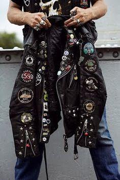 Speedboys: Rocker - punk it - Motorcycle Style, Biker Style, Mode Hip Hop, Looks Style, My Style, Biker Leather, Leather Jackets, Battle Jacket, Estilo Rock